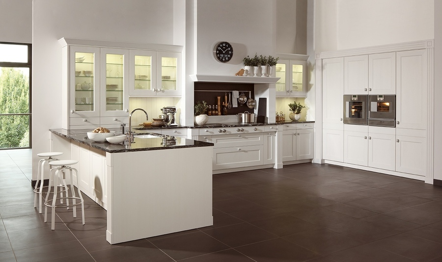 Claudia Scherer Küchenstudio - Küchenstudio mit großer ...