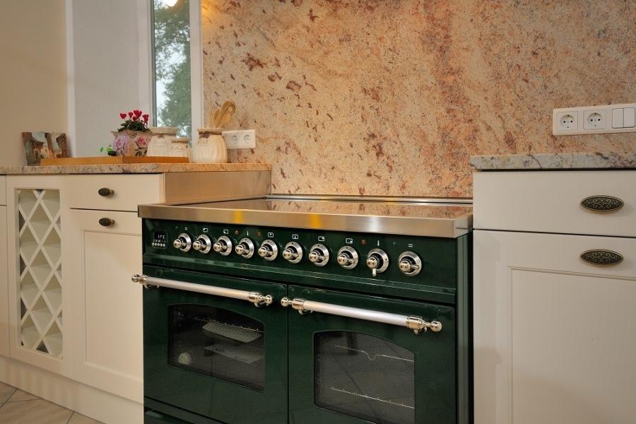 Claudia Scherer Küchenstudio - Küchenstudio mit großer Küchen ...